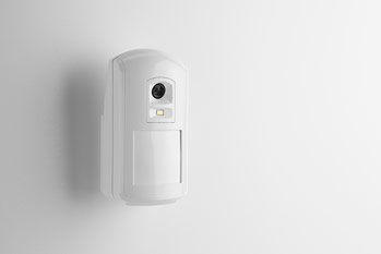 Wireless motion sensor with camera